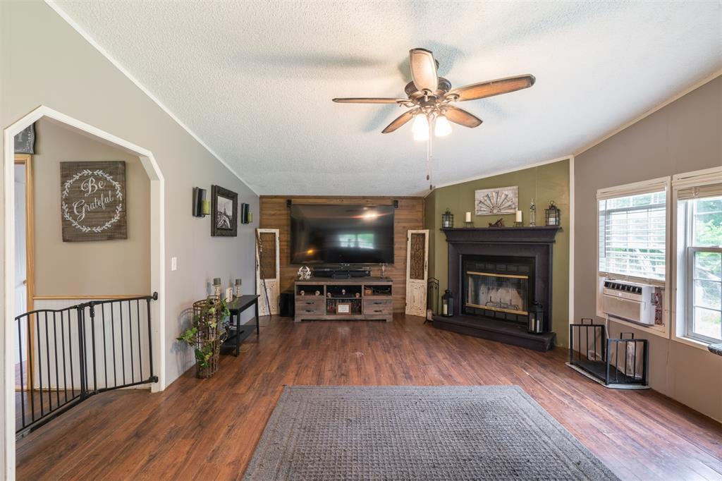 3360 Interstate Highway 30  Greenville, Texas 75402 - acquisto real estate best luxury buyers agent in texas shana acquisto inheritance realtor