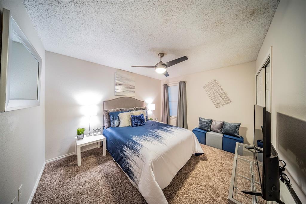 210 Chamblin  Drive, Cedar Hill, Texas 75104 - acquisto real estate best photos for luxury listings amy gasperini quick sale real estate