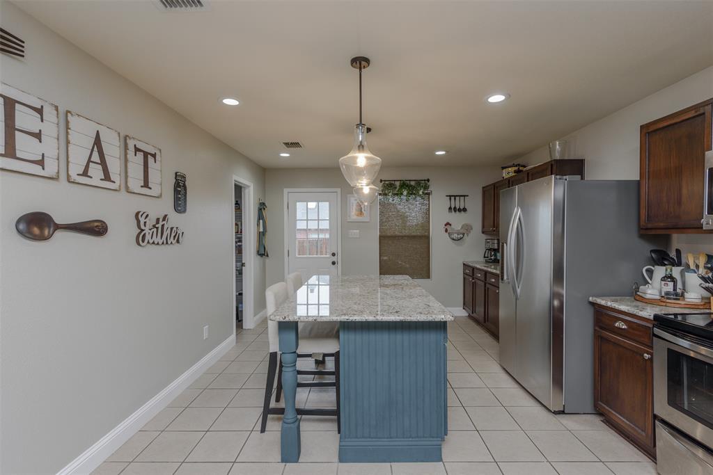 2921 Desert  Drive, Denton, Texas 76210 - acquisto real estate best designer and realtor hannah ewing kind realtor