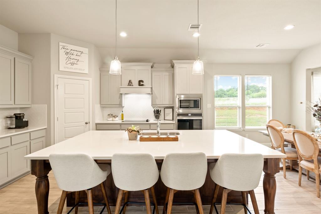 1224 Big Sky  Drive, Weatherford, Texas 76086 - acquisto real estate best allen realtor kim miller hunters creek expert