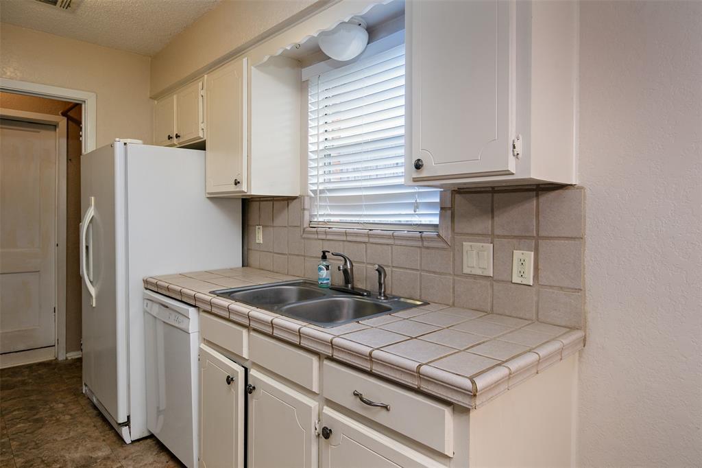 1737 Northwood  Boulevard, Corsicana, Texas 75110 - acquisto real estate best luxury buyers agent in texas shana acquisto inheritance realtor
