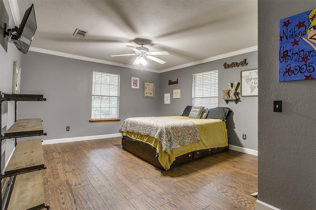 532 Forest Edge  Street, Burleson, Texas 76028 - acquisto real estate best negotiating realtor linda miller declutter realtor