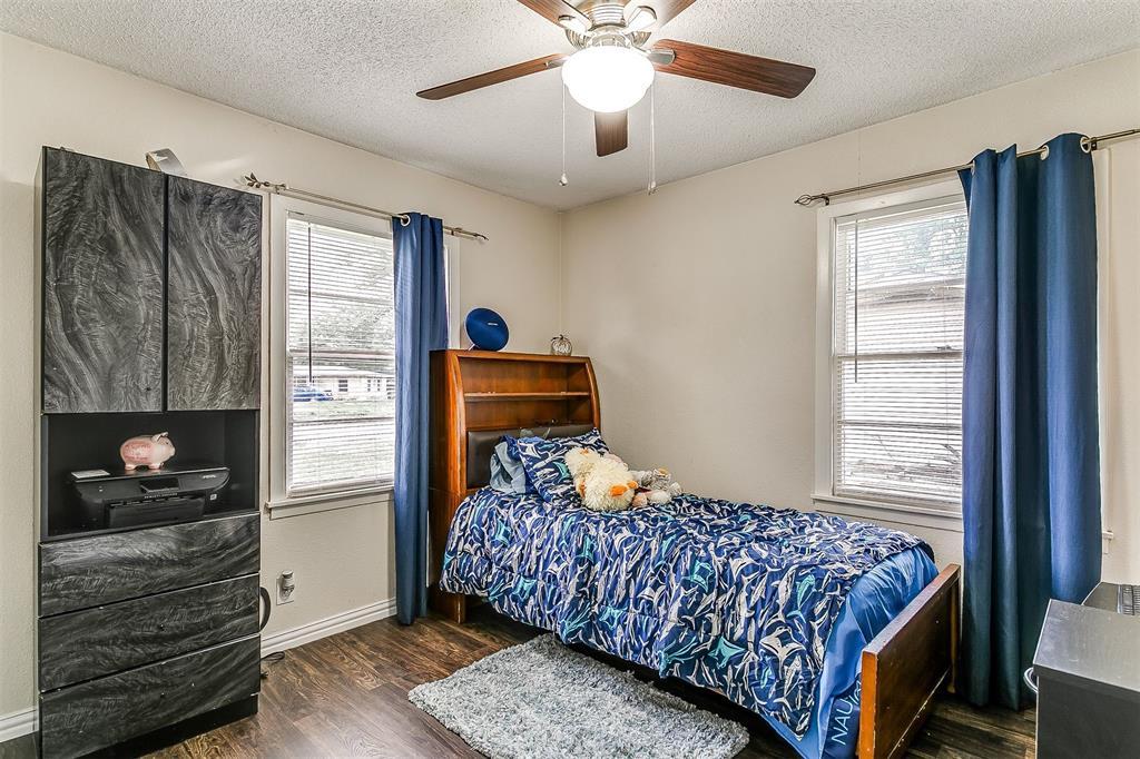 2214 Ridgeway  Street, Arlington, Texas 76010 - acquisto real estate best photos for luxury listings amy gasperini quick sale real estate