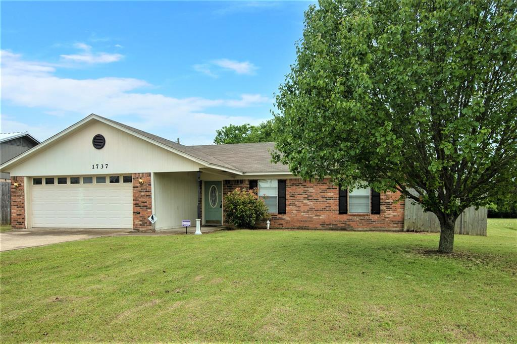 1737 Northwood  Boulevard, Corsicana, Texas 75110 - acquisto real estate best relocation company in america katy mcgillen