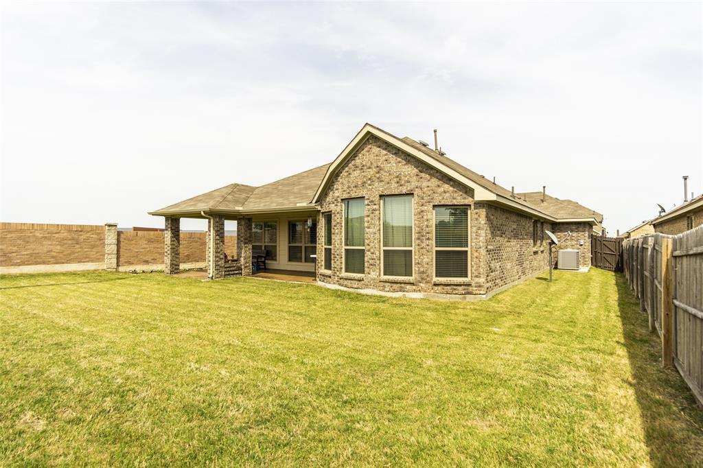 5941 Black Bass  Drive, Fort Worth, Texas 76179 - acquisto real estate best negotiating realtor linda miller declutter realtor
