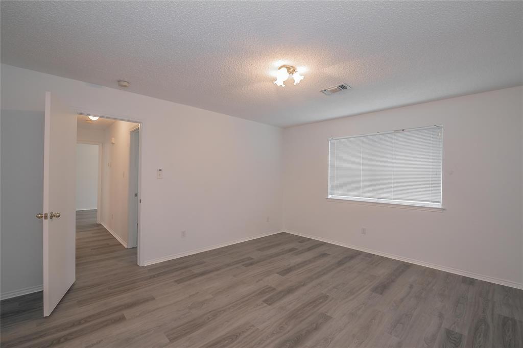 1605 Dorchester  Street, Fort Worth, Texas 76134 - acquisto real estate best designer and realtor hannah ewing kind realtor