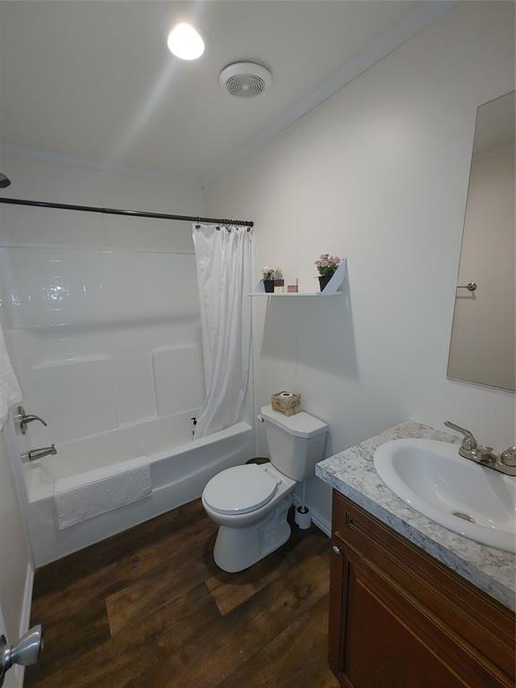 929 Indian Creek  Drive, Granbury, Texas 76048 - acquisto real estate best listing agent in the nation shana acquisto estate realtor