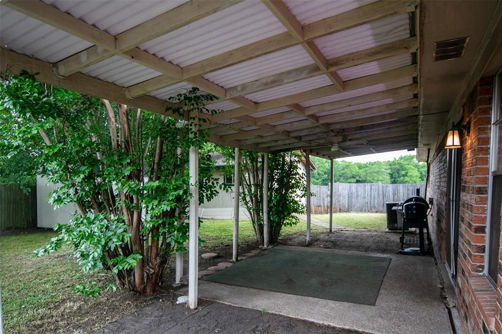 1737 Northwood  Boulevard, Corsicana, Texas 75110 - acquisto real estate best negotiating realtor linda miller declutter realtor