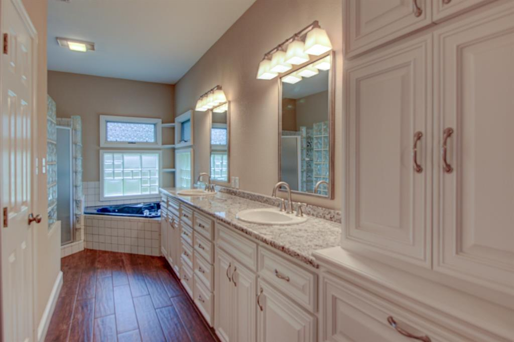 115 Kiowa  Drive, Lake Kiowa, Texas 76240 - acquisto real estate best realtor dallas texas linda miller agent for cultural buyers