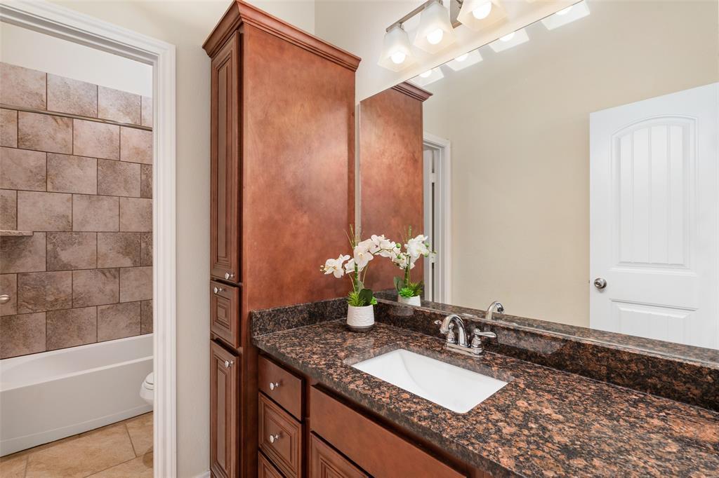 7061 Whispering Oaks  McKinney, Texas 75071 - acquisto real estate best realtor foreclosure real estate mike shepeherd walnut grove realtor