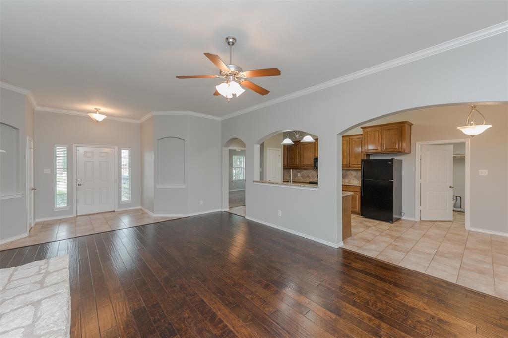 908 Glenview  Circle, Aubrey, Texas 76227 - acquisto real estate best real estate company to work for
