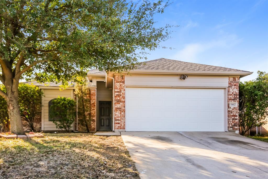 8336 Cloverglen  Lane, Fort Worth, Texas 76123 - Acquisto Real Estate best plano realtor mike Shepherd home owners association expert