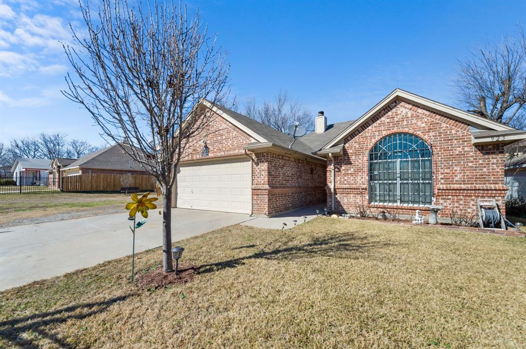 925 Bessie  Street, Fort Worth, Texas 76104 - Acquisto Real Estate best mckinney realtor hannah ewing stonebridge ranch expert