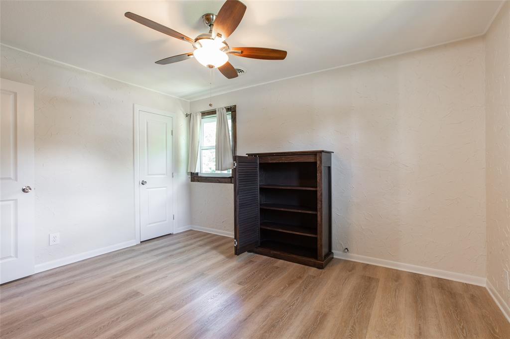 212 Huitt  Lane, Euless, Texas 76040 - acquisto real estate best new home sales realtor linda miller executor real estate