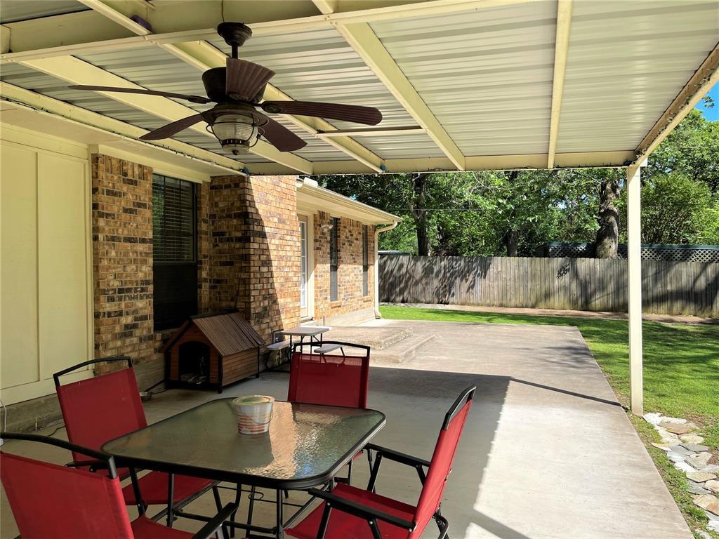 563 Ferndale  Lane, Fairfield, Texas 75840 - acquisto real estate best realtor foreclosure real estate mike shepeherd walnut grove realtor