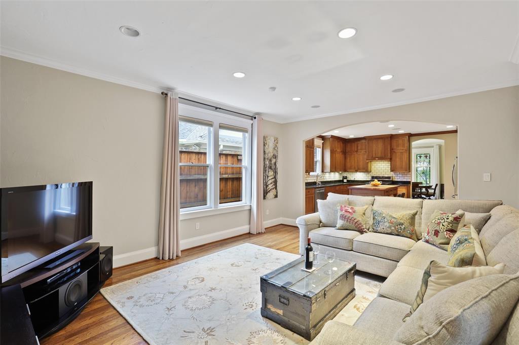 5838 Monticello  Avenue, Dallas, Texas 75206 - acquisto real estate best luxury buyers agent in texas shana acquisto inheritance realtor