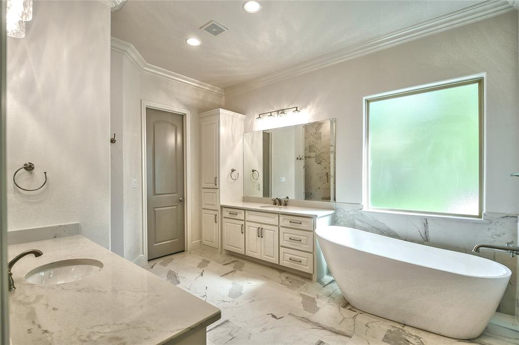 8021 Landings  Road, Granbury, Texas 76049 - acquisto real estate best frisco real estate broker in texas for high net worth buyers