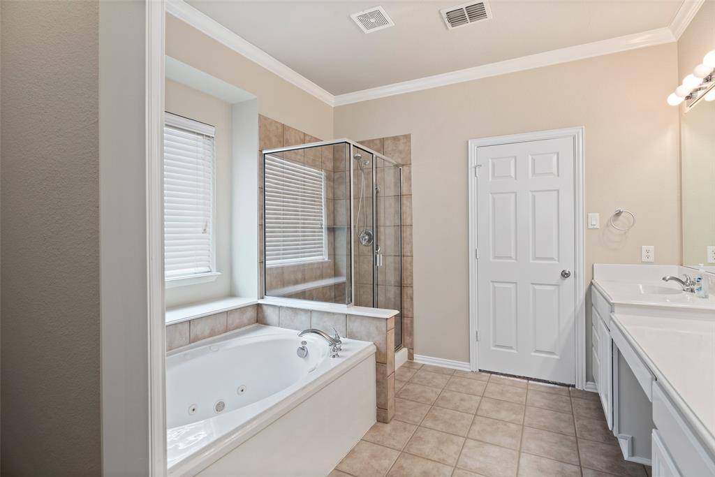 3909 Miramar  Drive, Denton, Texas 76210 - acquisto real estate best photos for luxury listings amy gasperini quick sale real estate