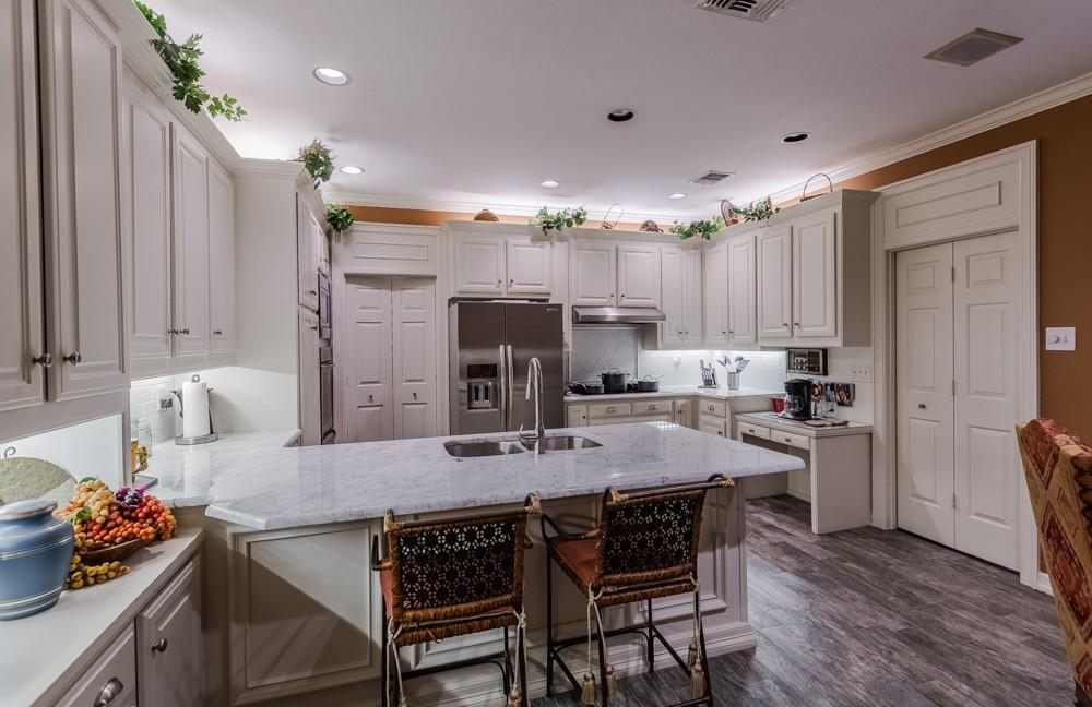 6917 Hillpark  Drive, Dallas, Texas 75230 - acquisto real estate best flower mound realtor jody daley lake highalands agent of the year