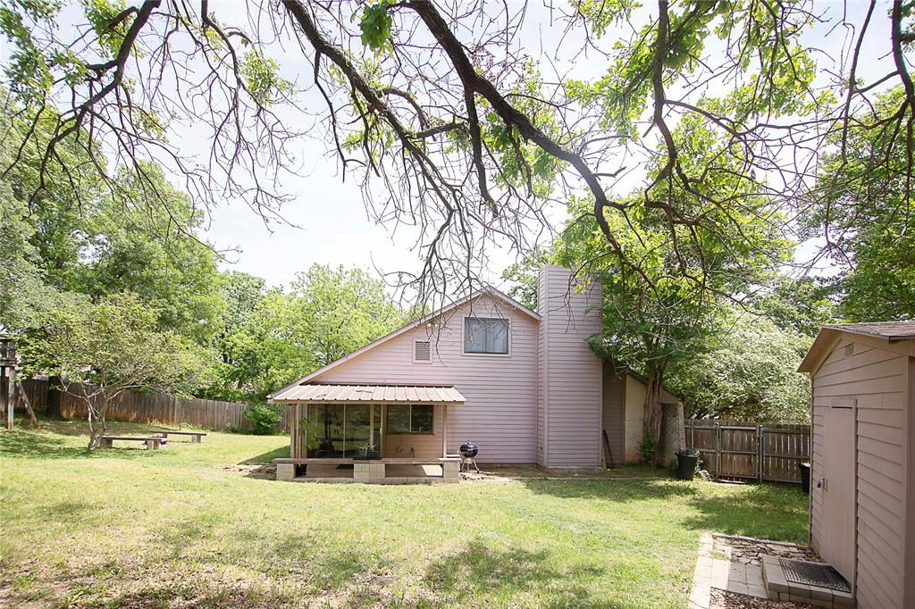1307 Shady  Hollow, Euless, Texas 76039 - acquisto real estate best realtor foreclosure real estate mike shepeherd walnut grove realtor