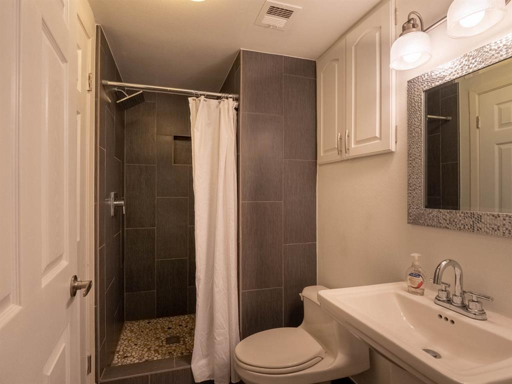 5615 Thunderbird  Court, De Cordova, Texas 76049 - acquisto real estate best realtor dallas texas linda miller agent for cultural buyers