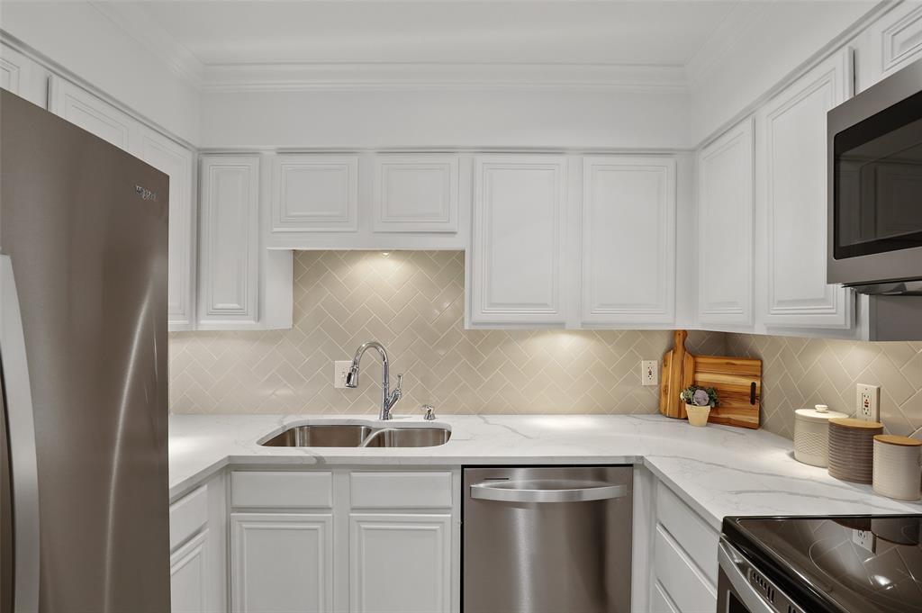 4242 Lomo Alto  Drive, Dallas, Texas 75219 - acquisto real estate best real estate company in frisco texas real estate showings