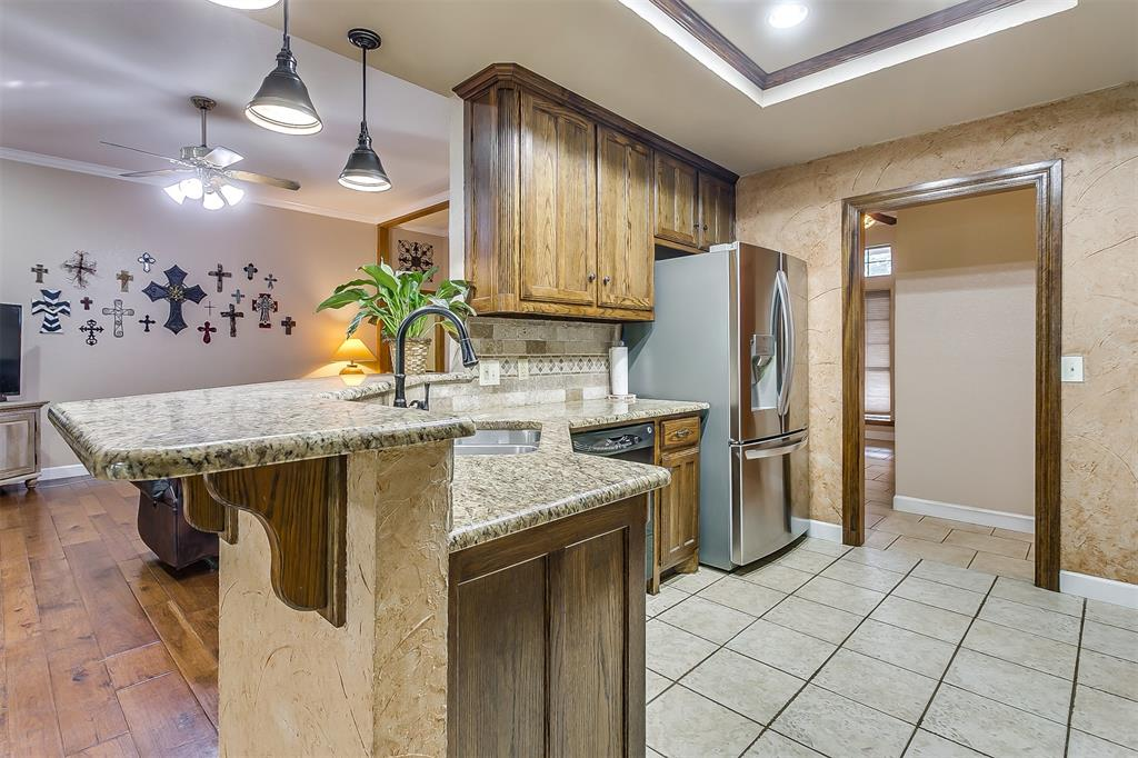 532 Forest Edge  Street, Burleson, Texas 76028 - acquisto real estate best investor home specialist mike shepherd relocation expert
