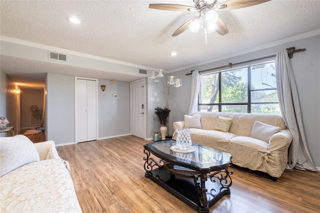 2718 Ivanridge  Lane, Garland, Texas 75044 - acquisto real estate best style realtor kim miller best real estate reviews dfw