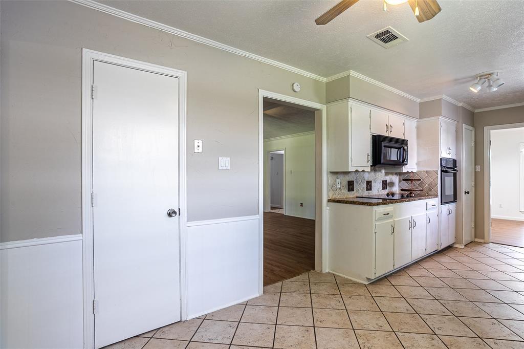 811 Lake Highlands  Drive, Allen, Texas 75002 - acquisto real estate best designer and realtor hannah ewing kind realtor