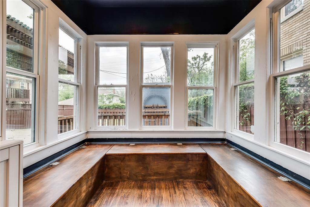 710 Bishop  Avenue, Dallas, Texas 75208 - acquisto real estate best photos for luxury listings amy gasperini quick sale real estate