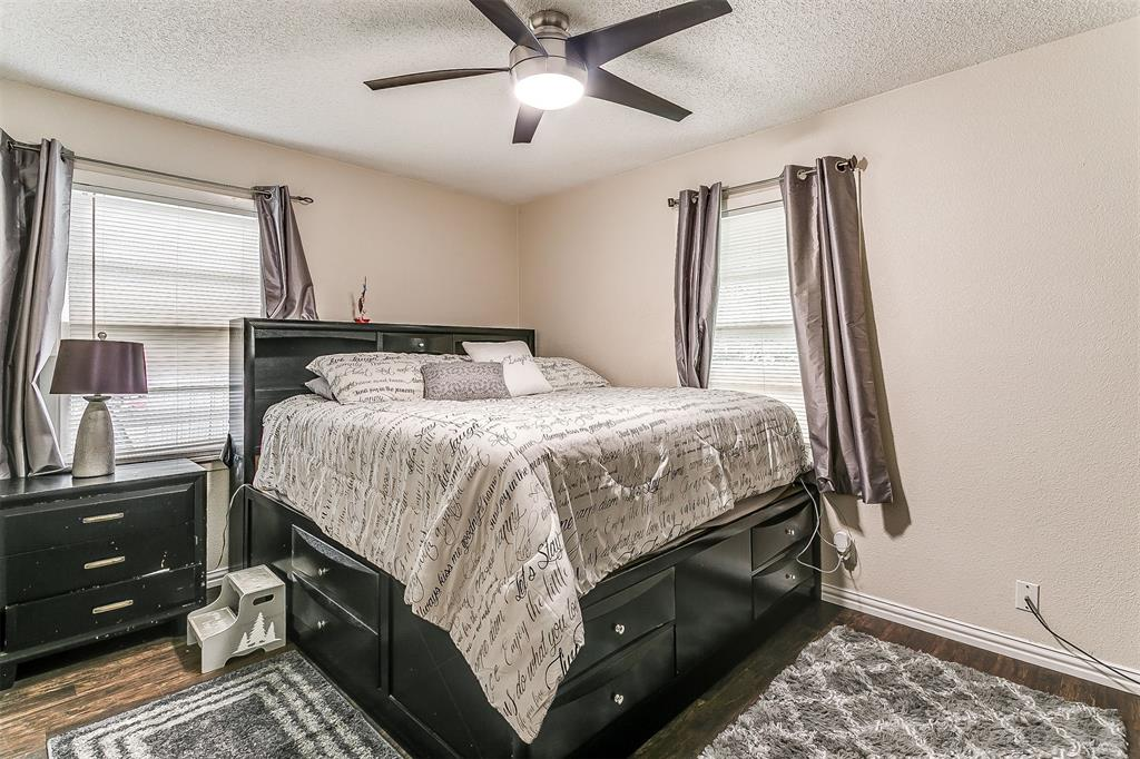 2214 Ridgeway  Street, Arlington, Texas 76010 - acquisto real estaet best boutique real estate firm in texas for high net worth sellers