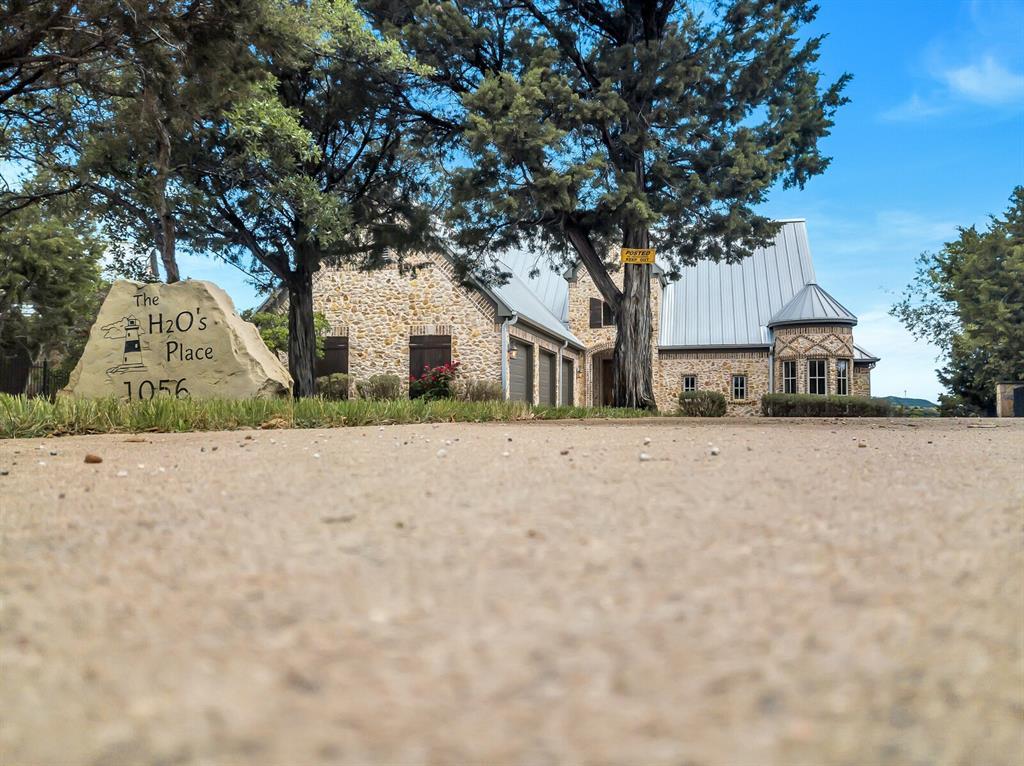 1056 Bluff Creek  Drive, Possum Kingdom Lake, Texas 76475 - acquisto real estate best allen realtor kim miller hunters creek expert