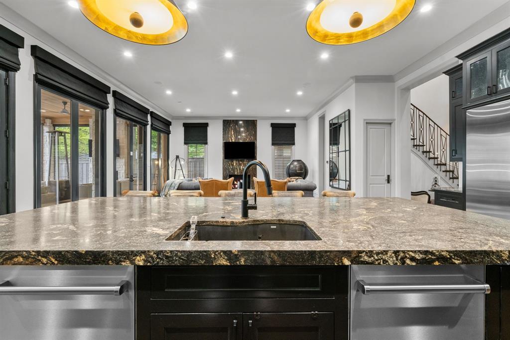 6140 Deloache  Avenue, Dallas, Texas 75225 - acquisto real estate best listing listing agent in texas shana acquisto rich person realtor
