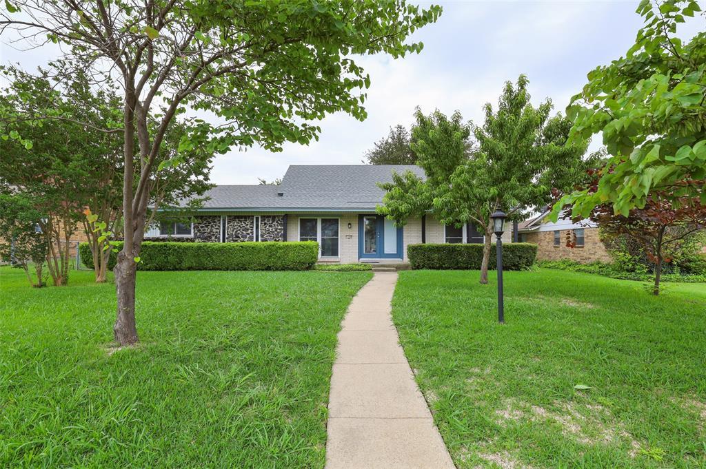 1308 Dunbarton  Drive, Richardson, Texas 75081 - Acquisto Real Estate best plano realtor mike Shepherd home owners association expert