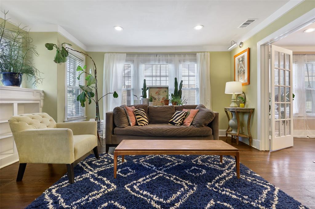 1510 Hampton  Road, Dallas, Texas 75208 - acquisto real estate best listing agent in the nation shana acquisto estate realtor