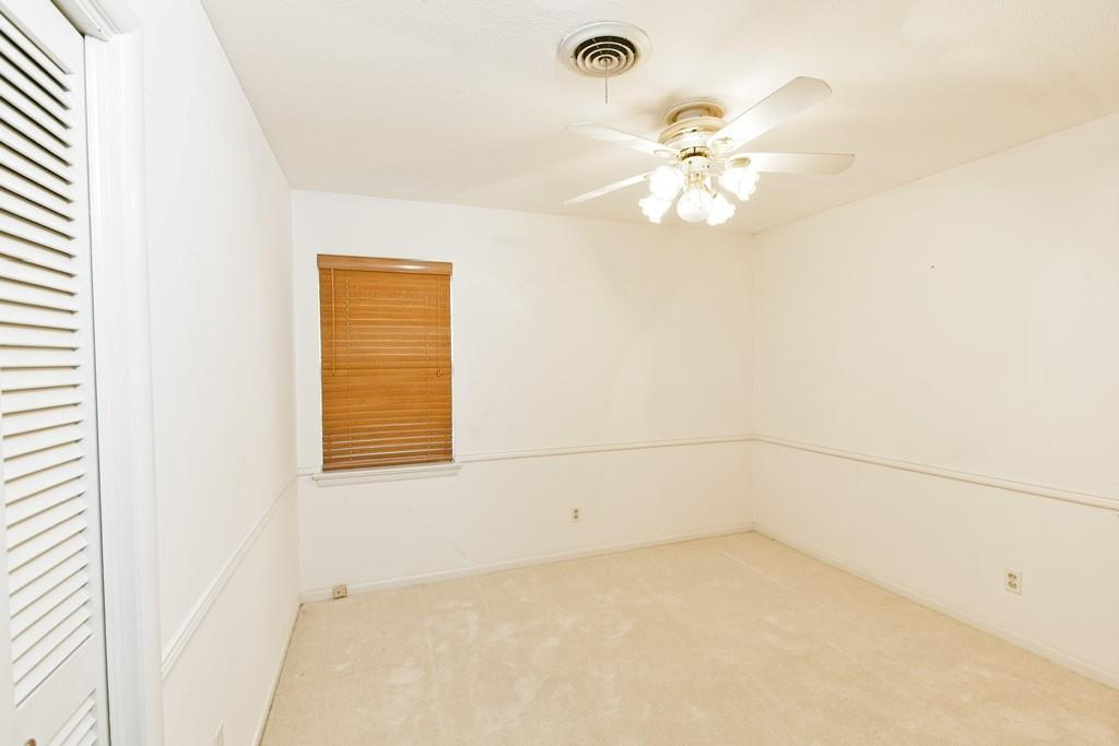 8635 Shagrock  Lane, Dallas, Texas 75238 - acquisto real estate best photo company frisco 3d listings