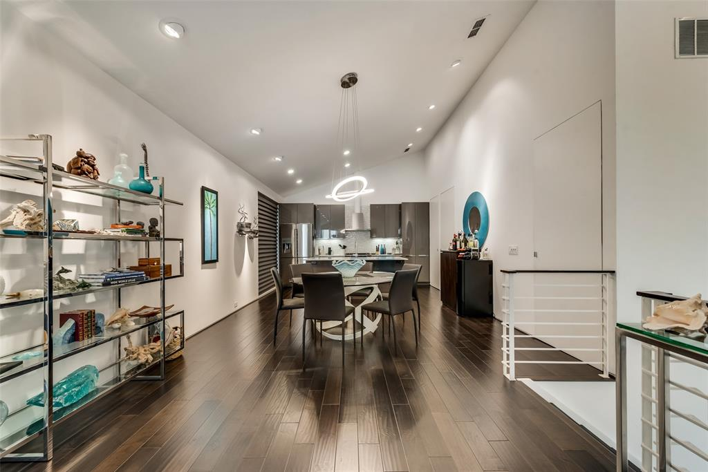 4711 Live Oak  Street, Dallas, Texas 75204 - acquisto real estate best style realtor kim miller best real estate reviews dfw