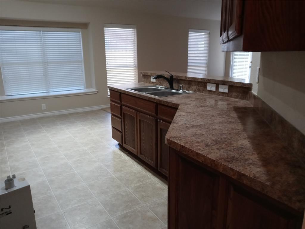 229 Creekside  Drive, Saginaw, Texas 76131 - acquisto real estate best allen realtor kim miller hunters creek expert