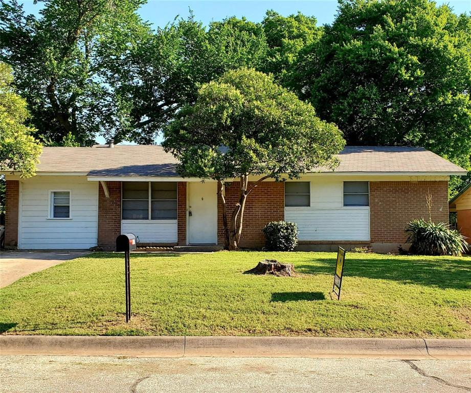 605 Pershing  Drive, Denton, Texas 76209 - Acquisto Real Estate best plano realtor mike Shepherd home owners association expert