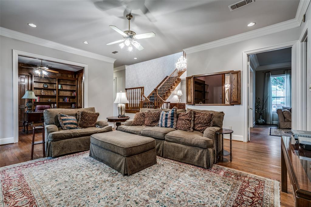2209 Creekside  Circle, Irving, Texas 75063 - acquisto real estate best real estate company to work for