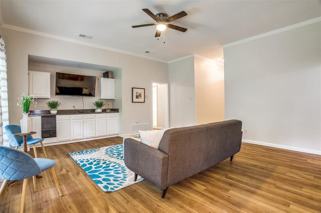 527 Crossland  Boulevard, Grand Prairie, Texas 75052 - acquisto real estate best allen realtor kim miller hunters creek expert