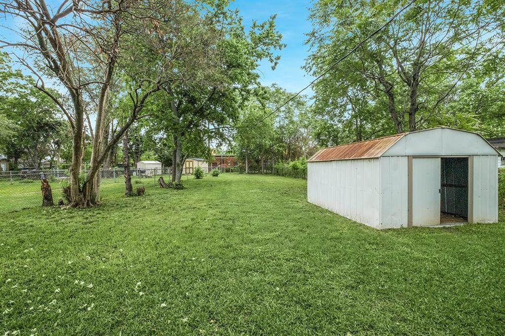 1507 Newport  Avenue, Dallas, Texas 75224 - acquisto real estate best realtor foreclosure real estate mike shepeherd walnut grove realtor