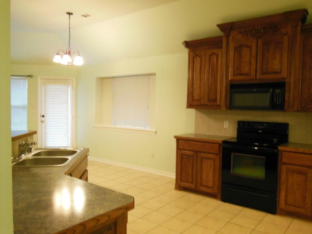 1116 Caroline  Drive, Princeton, Texas 75407 - acquisto real estate best celina realtor logan lawrence best dressed realtor