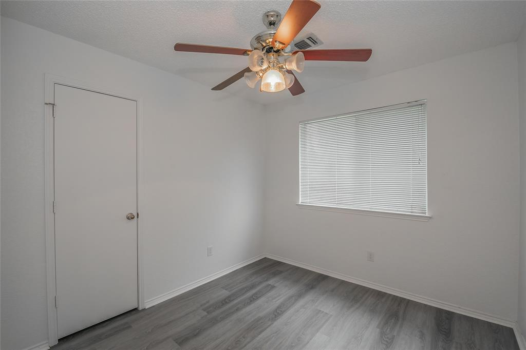 1605 Dorchester  Street, Fort Worth, Texas 76134 - acquisto real estate best frisco real estate agent amy gasperini panther creek realtor