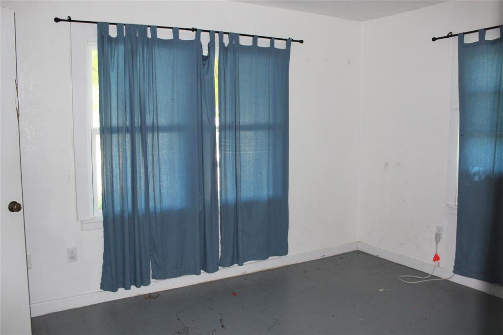 415 Rucker  Street, Granbury, Texas 76048 - acquisto real estate best listing listing agent in texas shana acquisto rich person realtor