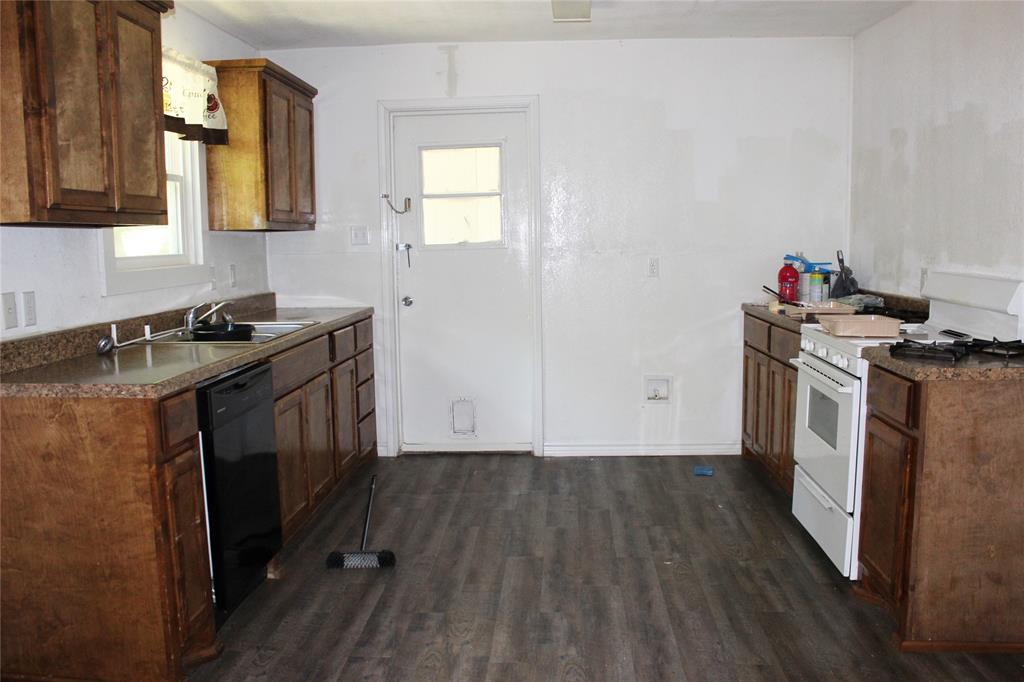 415 Rucker  Street, Granbury, Texas 76048 - acquisto real estate best highland park realtor amy gasperini fast real estate service