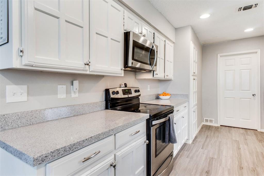 4606 Mandalay  Drive, Arlington, Texas 76016 - acquisto real estate best real estate company to work for