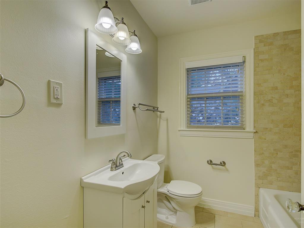 1009 Avenue F  Avenue, Garland, Texas 75040 - acquisto real estate best realtor westlake susan cancemi kind realtor of the year