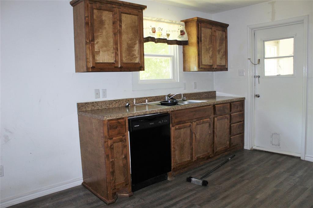 415 Rucker  Street, Granbury, Texas 76048 - acquisto real estate best celina realtor logan lawrence best dressed realtor