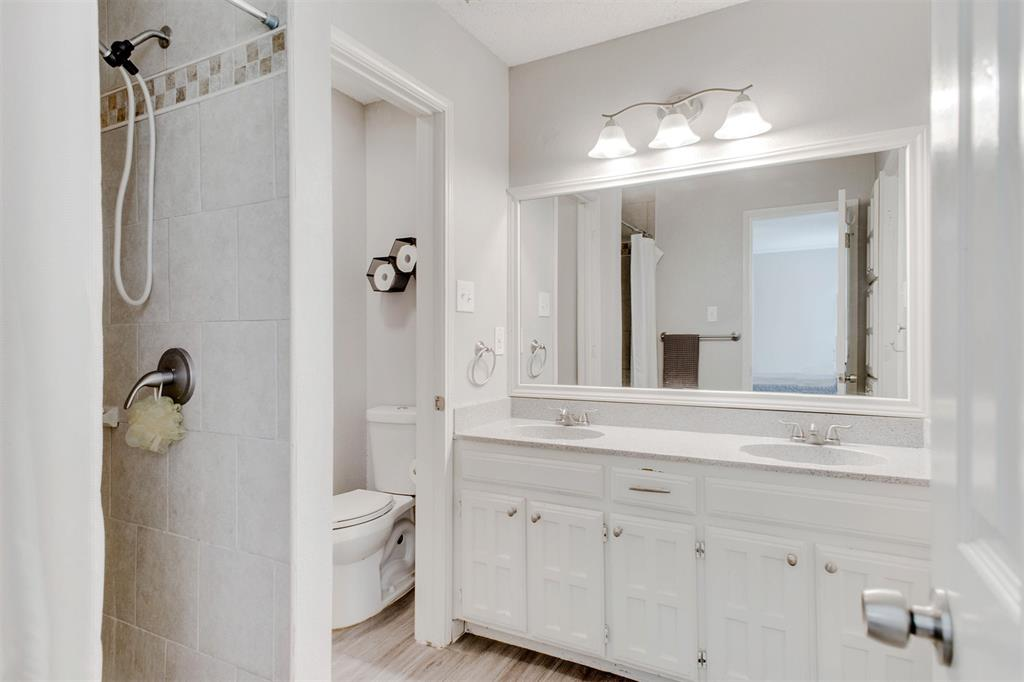4606 Mandalay  Drive, Arlington, Texas 76016 - acquisto real estate best photos for luxury listings amy gasperini quick sale real estate